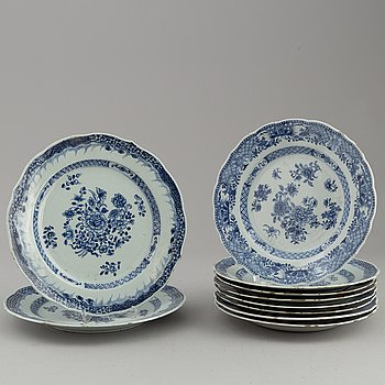 Ten (8+2) blue and white dishes, Qing dynasty, Qianlong (1736-95).