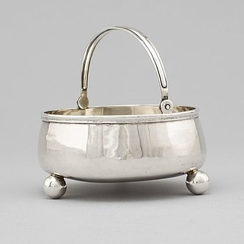 A Russian 19th century silver sugar bowl, unidentified makers mark, St. Petersburg 1871.