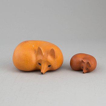 Two stoneware figurines by Lisa Larson, Gustavsberg, second half of the 20th century.