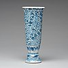A blue and white vase, qing dynasty, kangxi (1662-1722).