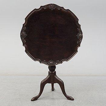 TILT TOP TABLE, England, 19th century.