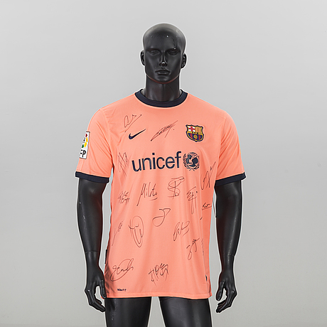 check out 6d738 a0a61 A ZLATAN IBRAHIMOVIC FC BARCELONA T-SHIRT WITH AUTOGRAPHES ...