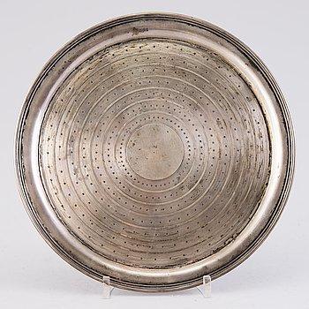 BRICKA, silver, Sazikov, Kejserlig hovleverantör, S:t Petersburg, kontrollmästarstämpel 1868.