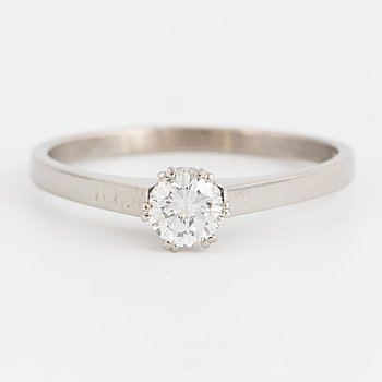 A solitaire diamond ring, 0,42 ct according to engraving.