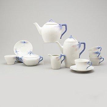 A 9 pcs 'Trollsländan' porcelain service by Alf Wallander, Rörstrand, Jugend, early 20th century.