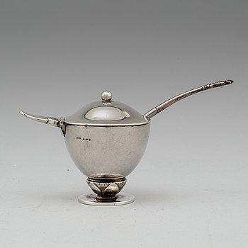 GEORG JENSEN, senapskanna med sked, silver.