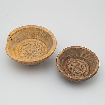 SMÖRFORMAR, två st, trä, 1700-/1800-tal.