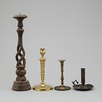 LJUSSTAKAR, 4 st olika modeller, trä och mässing, 1700-/1800-tal.