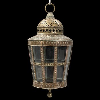 AN 18TH CENTURY CEILING LANTERN.