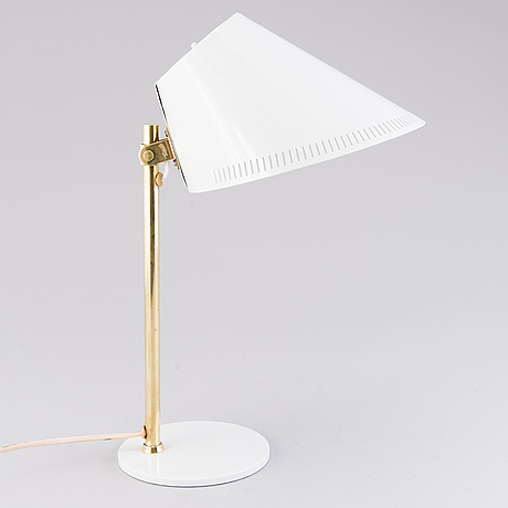 Paavo tynell, a mid 20th century table lamp '9227' for idman, finland