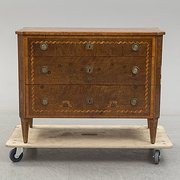 A Gustavian commode probably by Jonas Westring (1772-1828) in Gränna, not signed. Gustavian, end of the 18th century.