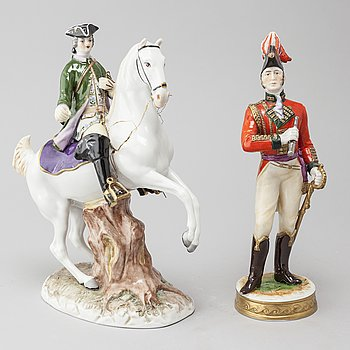 2 pieces of porcelain figurines, among others Kämmer Rudolstadt.