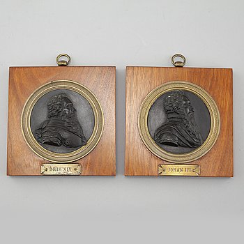A pair of 18th/19th century  bronze portrait.