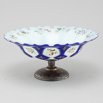SKÅL PÅ FOT, glas och silver, omkring sekelskiftet 1900.