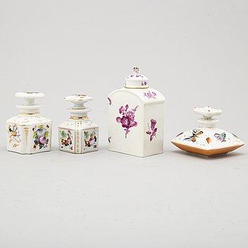 Four porcelaine bottles, 19th/20th century.