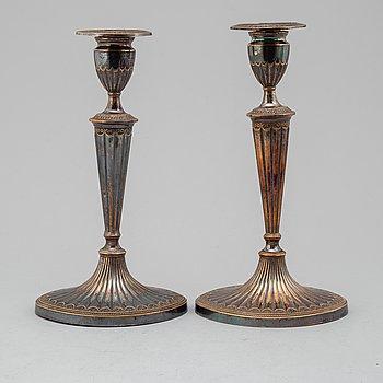 LJUSSTAKAR, ett par, pläter, regency, England, 1800-talets första hälft.