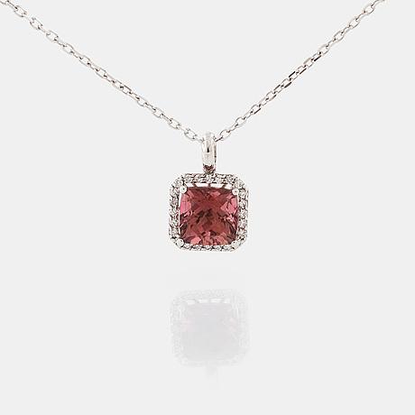 HÄnge, med turmalin ca 2.90 ct och briljantslipade diamanter totalt ca 0.20 ct