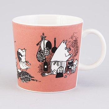 MOOMIN-MUG, porcelain, 'Mug dark rose',  Moomin Characters, Arabia1991-1999.
