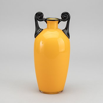 MICHAEL POWOLNY, a Tango glass vase around 1910.