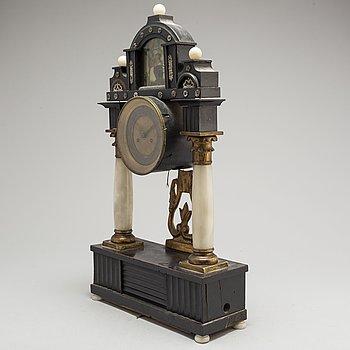 BORDSPENDYL, senempire, 1800-talets mitt.