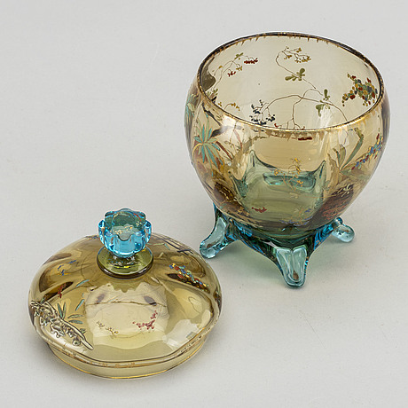 A set of two french art nouveau handpainted glass bowls around 1880/90.