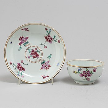 A famille rose  cup with dish, Qing dynasty, Yongzheng (1723-35).