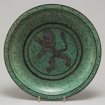 A stoneware plate 'Argenta' by Wilhelm Kåge, Gustavsberg.