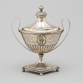 A silver sugar bowl by Johan Bergman Luleå, 1811.