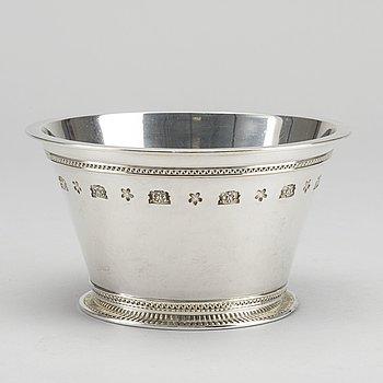 """WIWEN NILSSON, skål, silver, """"Den bysantinska modellen"""", Lund, 1948, vikt ca 370."""
