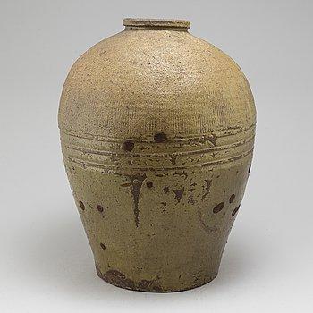 A large stoneware jar, presumably Japan, 20th Century.