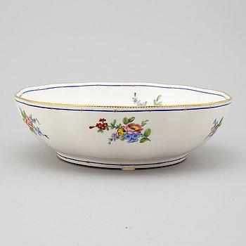 """SKÅL, porslin. Frankrike, """"Sevresmärke"""", 1800-tal."""