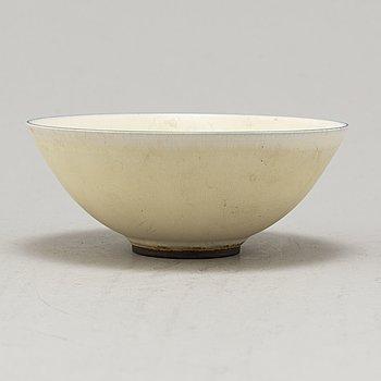 BERNDT FRIBERG, a stoneware bowl, Gustavsberg, signed.