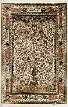 MATTA, orientalisk. Silke. Ca 206x136 cm.
