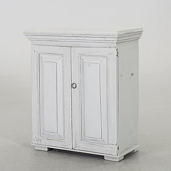 A cabinet from the 19th century.