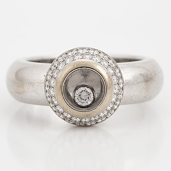 CHOPARD, Ring, 'Happy diamonds', med briljantslipade diamanter.