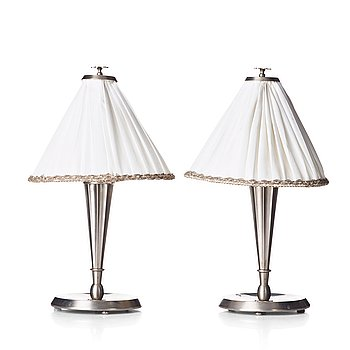 HARALD ELOF NOTINI, a pair of pewter table lamps by Böhlmarks, Stockholm 1920's-30's.