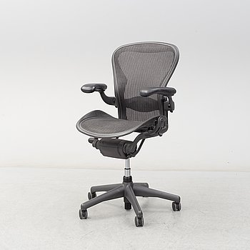An 'Aeron' swivel armchair by Don Chadwich / Bill Stumpf, Herman Miller.