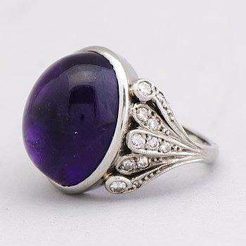 RING, ametist, briljant- och åttkantslipade diamanter, palladium. A. Tillander.