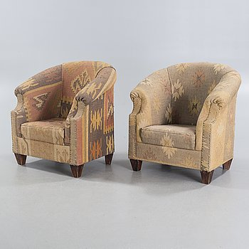 A pair of Kelim armchairs from the 20th century.