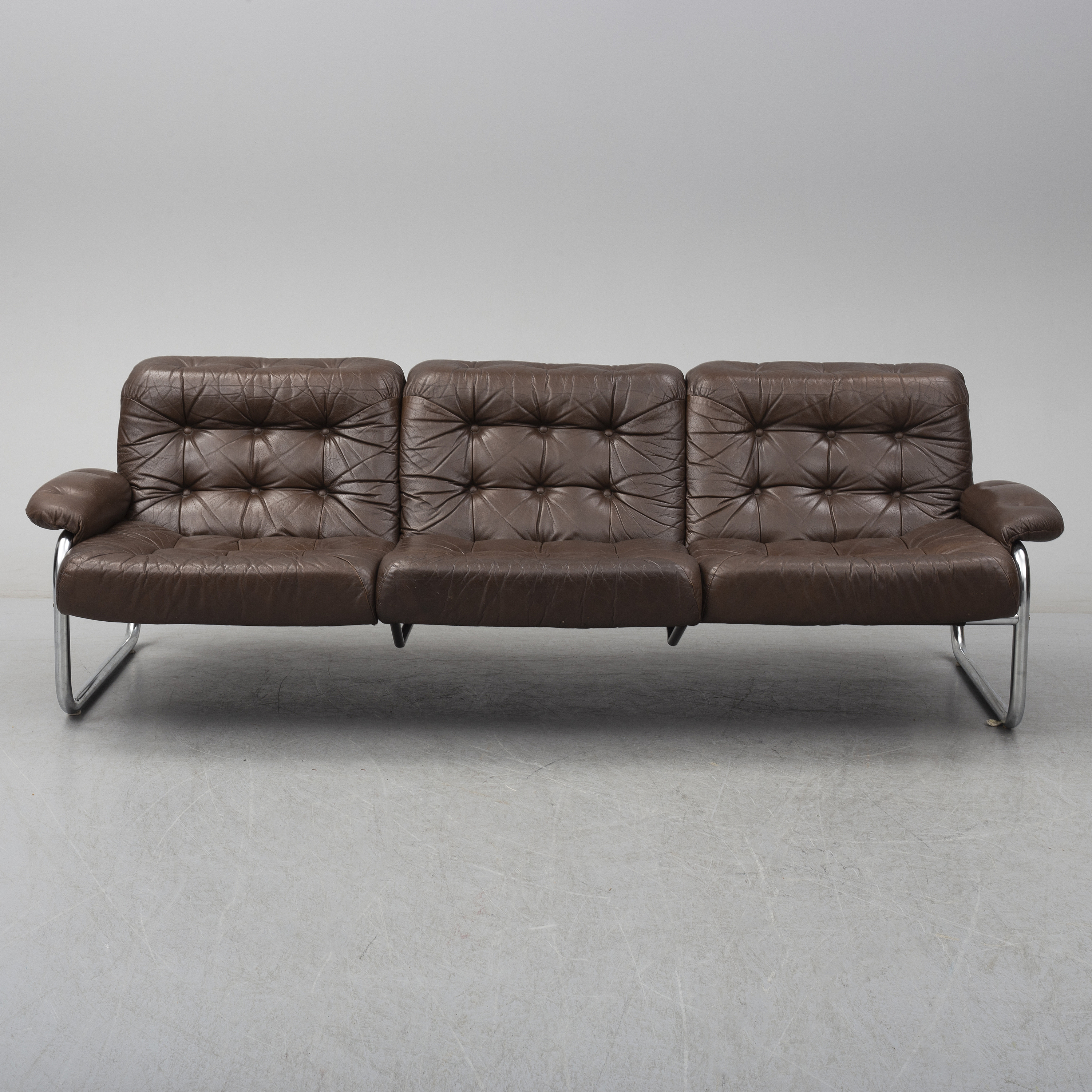 - A Leather Upholstered IKEA Sofa, 1960's/70's. - Bukowskis