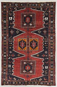 A Klardasht carpet ca 300 x 196 cm.