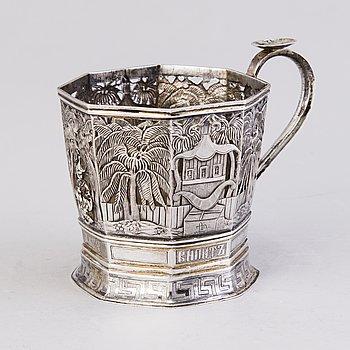 TEGLASHÅLLARE, silver, kontrollmästarstämpel Ivan Yefimovich Konstantinov, Moskva 1875.