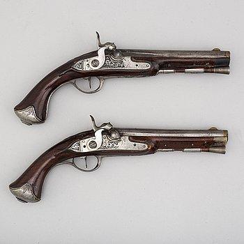 SLAGLÅSPISTOLER, ett par, 1700-talets  slut.