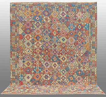MATTA, Kelim, ca 394 x 313 cm.