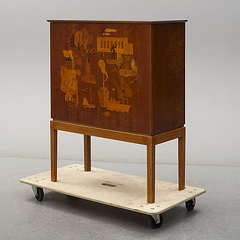 A 1930s cabinet, probably by AB Harry Carlsson, Gothenburg.
