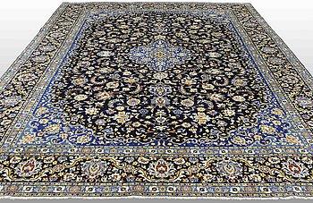 A carpet, Kashan, around 410 x 305 cm.