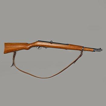 A Haenel 33 junior air rifle.