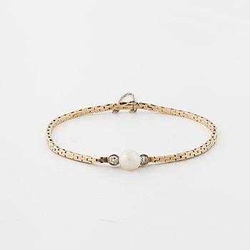 ARMBAND, med odlad pärla och rosenslipade diamanter.