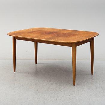 JOSEF FRANK, matbord, för Firma Svenskt Tenn, modell 947. 4 iläggsskivor medföljer.