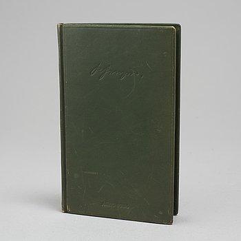 BOK, lärobok i djurhållning, tryckt 1726.